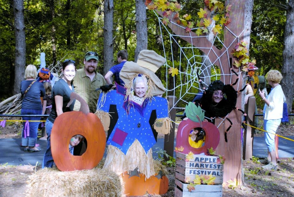 Apple Harvest Festival Retzer Nature Center Waukesha.jpg